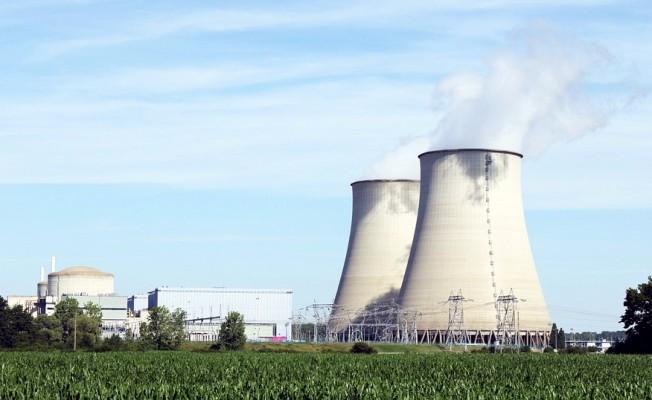 Nükleer Enerjiden Vazgeçiyor