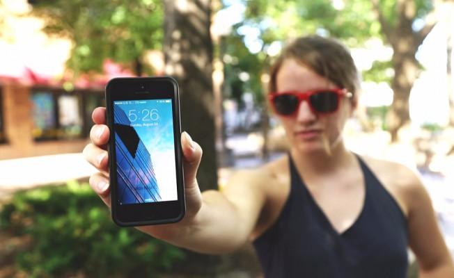 """""""Akıllı Telefon Uygulamaları Kullanıcıları İzliyor"""""""