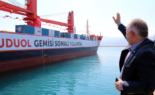 Kızılay'ın 'Umudu Ol' Yardım Gemisi Somali'ye Yola Çıktı