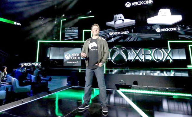 Microsoft En Güçlü Oyun Konsolu Xbox One X'i Tanıttı