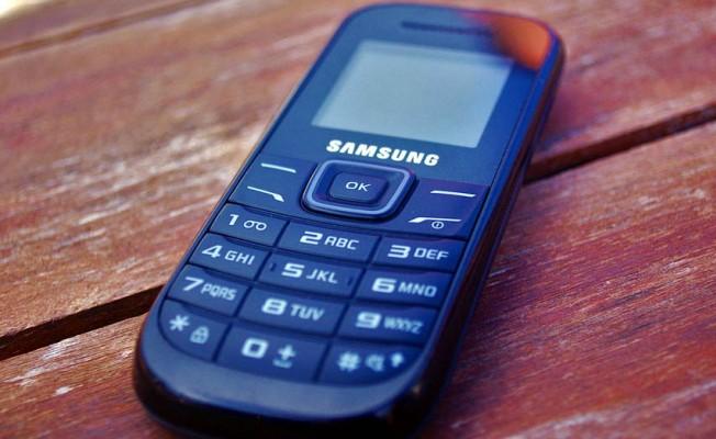 Dünyada, 'akılsız' telefonlara dönüş başladı