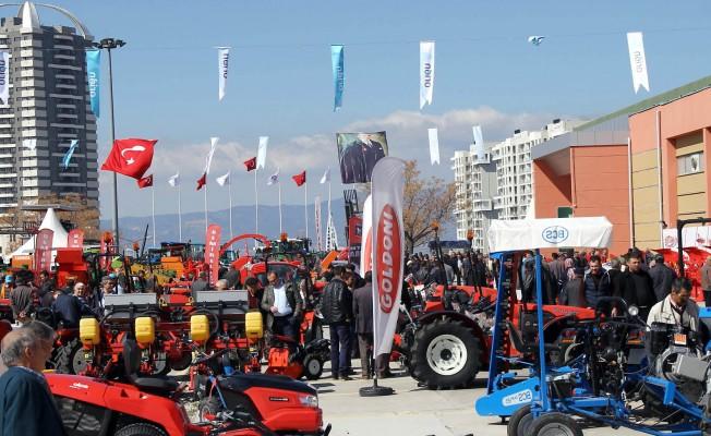 Ege'nin en başarılı ihtisas fuarını 182 bin kişi ziyaret etti