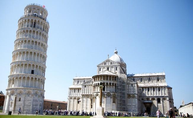 İtalya bugün sandık başına gidiyor