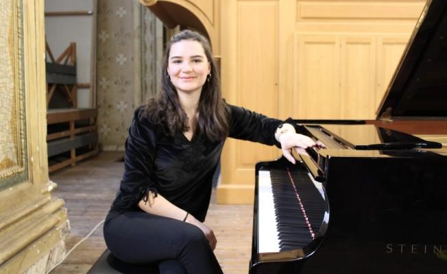Piyanist Şenoğlan, kenti gururlandırdı