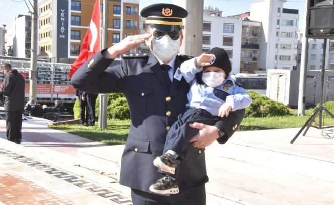 Torbalı'da Polis Haftası etkinliğinde minik sürpriz