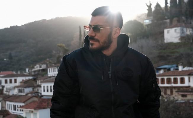 Sertan Tatlıgöl, Temmuz ayında 'Protesto' isimli ilk albümünü çıkaracak!