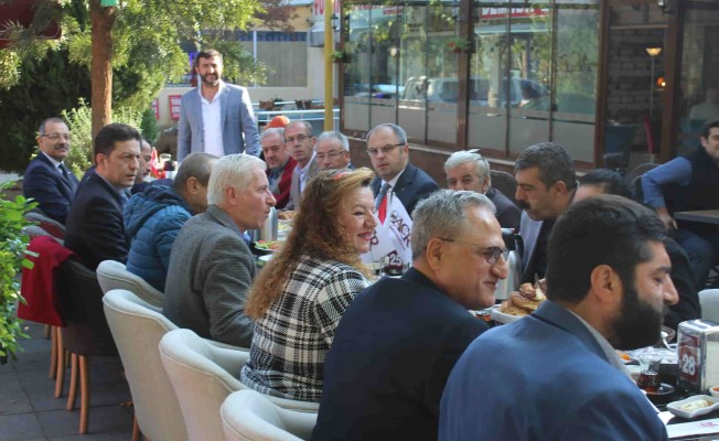 Gaziemir Kaymakamı Üçer, Muhtarlar Günü'nü kutladı