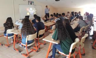 """Sınav Eğitim Kurumları'nda """"Hangi Üniversite"""" Semineri"""