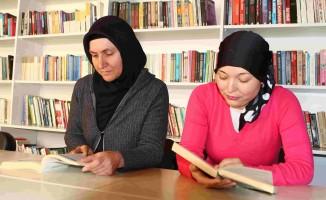 Kütüphanede Hayatları Değişti