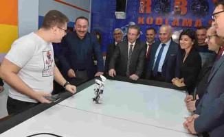 Karşıyaka'nın İlk Robotik Kodlama Sınıfı Açıldı
