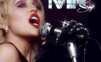 Miley Cyrus Yeni Şarkısıyla Geri Döndü