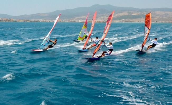 Rüzgar Sörfü'nde Türkiye Ligi Heyecanı