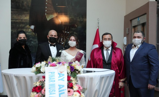 Batur'un Kıydığı Nikahla Evlendiler