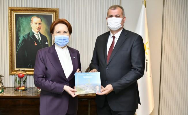 Tire Belediye Başkanı Duran, Akşener'i ziyaret etti
